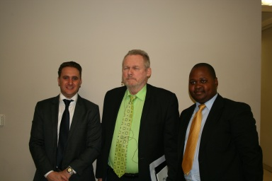 Saul Symanowitz (Divisional Manager: Sage Pastel BEE123) , Hon. Rob Davies (Minister: Department of Trade and Industry), Thulani Fakude (Business Development Executive: Sage Pastel BEE123)